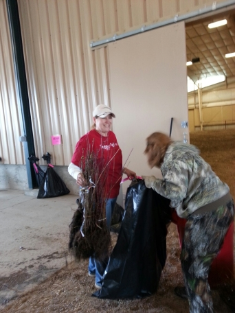 Tracy Balch & Piute Zone Supervisor Cindy Stanton sort trees
